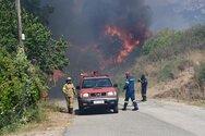 Τι εξετάζει η πυροσβεστική για τα αίτια των φωτιών σε Δροσιά και Ελεκίστρα