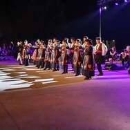 Με επιτυχία πραγματοποιήθηκε στο Θέατρο Φλόκα Ολυμπίας η παράσταση «Μία κόρη τ' αποφάσισε» (φωτο)