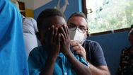 Ο Πατρινός παιδίατρος που ταξίδεψε στην Τανζανία και συγκίνησε το διαδίκτυο (φωτo)