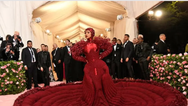 Met Gala: Η μεγαλύτερη βραδιά μόδας επιστρέφει στη Νέα Υόρκη