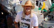 Χαλκιδική: Ήρθε για διακοπές στην Ελλάδα και μάζεψε ένα φορτηγό σκουπίδια