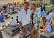 Σάκης Kατσούλης - Μαριάλενα Ρουμελιώτη: Φουντώνουν οι φήμες ότι είναι μαζί μετά τις διακοπές στη Ρόδο