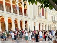 Συγκέντρωση και στην πλατεία Γεωργίου της Πάτρας από τους αντιεμβιολιαστές