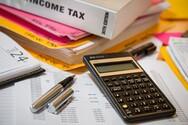 Φορολογικές δηλώσεις: 1 στις 6 στην «ουρά» για υποβολή