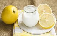 Γιαούρτι και λεμόνι για φυσικό face lift