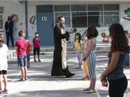 Πάτρα: 'Πρεμιέρα' με χαμόγελα για τα νήπια και τους μικρούς μαθητές των δημοτικών