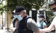 Σε δίκη ο «ψευτογιατρός» για 12 θανάτους καρκινοπαθών