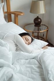 Καύση θερμίδων στον ύπνο; Ναι, γίνεται και δείτε πώς