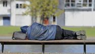 Χειμωνιάζει και τουλάχιστον 25 άνθρωποι ζουν μόνοι στους δρόμους της Πάτρας