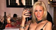 Έφη Σαρρή: 'Έχω δώσει και 10.000 ευρώ για ένα ρούχο' (video)