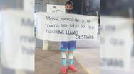 «Μέσι, συγχώρεσε τη μαμά μου»: Το επικό μήνυμα ενός πιτσιρικά, που τον λένε... Κριστιάνο