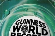 Παρουσιαστής έσπασε το ρεκόρ γκίνες στον αέρα για 62 ώρες (video)