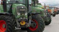 Αχαΐα: Σκληραίνουν τη στάση τους οι αγρότες - 'Ανοίγουν' αύριο τα διόδια του Ρίου και αποκλείουν τις εφορίες