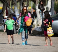 Βανδή- Μαστροκώστα: Εξόρμηση στη θάλασσα με τα παιδιά τους! (pics)
