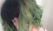 Μπήκε η Άνοιξη και η Katy Perry έβαψε τα μαλλιά της πράσινα