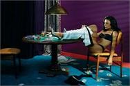 Strip poker από την Νάγια Ριβέρα !