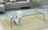 Το απόλυτο tip για να αστράψει ξανά το γυάλινο τραπέζι σας