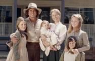 To μικρό σπίτι στο λιβάδι: Οι πρωταγωνιστές μαζεύτηκαν 40 χρόνια μετά! (video)
