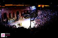 """Πάτρα: Καταχειροκροτήθηκε η """"Ιλιάδα"""" του Ομήρου στο Αρχαίο Ωδείο - Δείτε τις φωτογραφίες"""