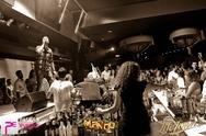 Χορός μέχρι το πρωί στο Mango club με Ηλία Βρεττό! (pics)