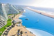 Η μεγαλύτερη πισίνα του κόσμου περιέχει... 66 εκ. λίτρα νερού! (pics+vids)