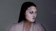 Δείτε πως η τεχνολογία μπορεί να μεταμορφώσει ένα πρόσωπο (video)