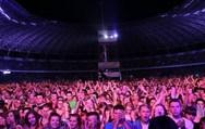 Ποιος επιτυχημένος καλλιτέχνης εμφανίστηκε στο μεγαλύτερο μουσικό event του καλοκαιριού της Πολωνίας; (video)