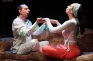 ''Romantic Fools'': Ένα κωμικό ρεσιτάλ σκηνοθεσίας κι ερμηνειών!