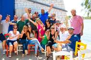 Beach party στην πλαζ μετά από συνάντηση 22 χρόνων για το 3ο Λύκειο Πάτρας!