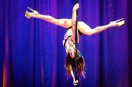 Σοφία Παπαμιχάλη: Η χορεύτρια pole dancing που κάνει μαθήματα σε όλο τον κόσμο! (pics)