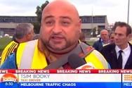 Έλληνας ταξιτζής τρολάρει τηλεοπτικό σταθμό με το όνομα «Tsim Booky» (video)