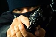 Πάτρα: Ένοπλος κουκουλοφόρος λήστεψε ιδιοκτήτη Μίνι Μάρκετ