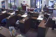 Άνθρωπος της ασφάλειας σκότωσε εν ψυχρώ ληστή που προσπάθησε να κλέψει τράπεζα (video)