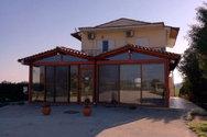 Ενοικιάζεται επαγγελματική στέγη στον Άραξο Αχαΐας (pics)