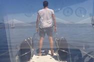 Ο καπετάνιος... Αντώνης Σρόιτερ και στο βάθος η Γέφυρα Ρίου - Αντιρρίου! (φωτο+video)