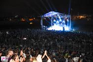 Χορός, τραγούδι, χαρά, συγκίνηση και... μπουγέλα στην συναυλία του Γιάννη Χαρούλη στην Πάτρα! (φωτο+video)