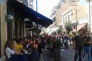 Εορταστική ατμόσφαιρα στο κέντρο της Πάτρας -