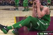 Σοκαριστικός τραυματισμός μπασκετμπολίστα - Γύρισε το πόδι του 90 μοίρες (video)