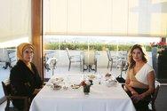 Μπέτυ Μπαζιάνα και Εμινέ Ερντογάν για τσάι με θέα την Ακρόπολη! (φωτο)