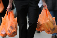 Πλαστικές σακούλες - 4 λεπτά φέτος, 9 από του χρόνου