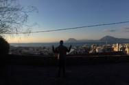 Ο Μακαβέλι είναι στην Πάτρα, γράφει στίχους και… ραπάρει (video)