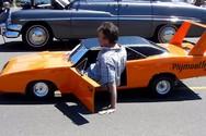 Αυτά είναι τα πιο απίθανα μίνι αυτοκίνητα (video)