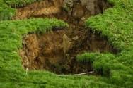 Νέα Ζηλανδία: Πήγε για δουλειά και βρέθηκε μπροστά σε μια τρύπα 200 μέτρων (video)