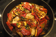 Φτιάξτε μανιτάρια στο φούρνο με φέτα, ντομάτα και πιπεριά Φλωρίνης