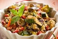 Φτιάξτε πολύχρωμη σαλάτα με κινόα