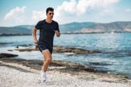 Ο Σάκης Ρουβάς προκαλεί ταραχή με μία φωτογραφία μέσα στη θάλασσα
