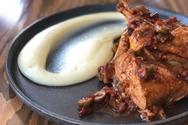 Φτιάξτε κοτόπουλο κοκκινιστό με ελιές
