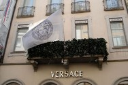 Τέλος εποχής για τον οίκο Versace!