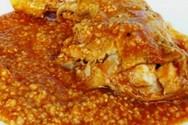 Μαγερέψτε κοτόπουλο κοκκινιστό με τραχανά
