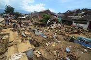 Τουλάχιστον 22 νεκροί από τις καταρρακτώδεις βροχές στην Ινδονησία